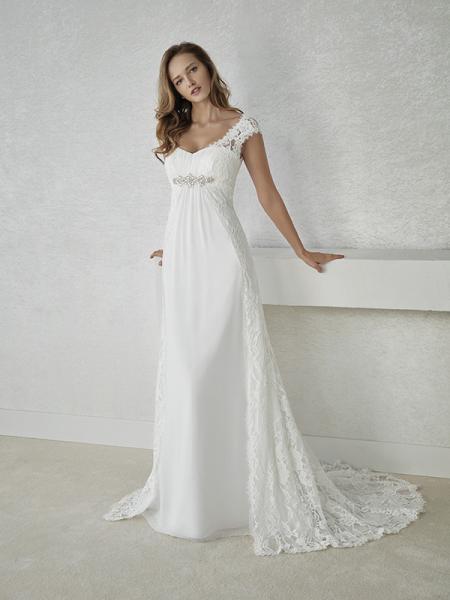 b9948849b2ba I vår butik i Nyköping finner du allt för din stora dag! De enkla  klänningarna för strandbröllop till de mer storslagna för kyrkbröllop – hos  oss finner ni ...