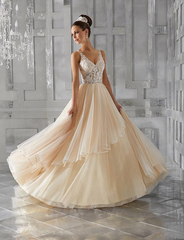 Experten tipsar – hitta rätt bröllopsklänning!