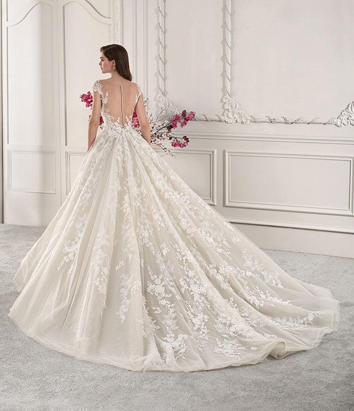 Drömklänningar från Bridal Stockholm Bröllopsmagasinet