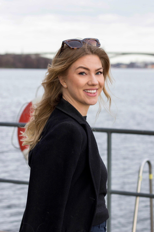 "Elin Ribjer driver relationspodden ""Så kan det gå"" Foto: Elias Esseen"